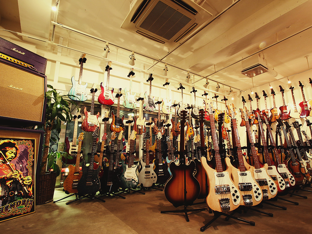 nico-nico guitars shop interior photo